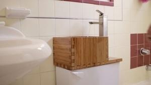 Toilet Top Sink - Wassersparen leicht gemacht | Gadgets | Was is hier eigentlich los?