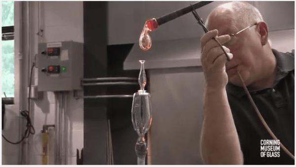 Wie ein Weinglas gebaut wird
