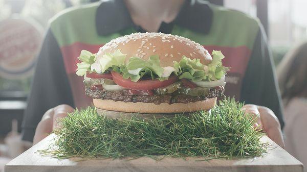 Der Mannschafts-Whopper - Burger King bringt den EM-Spirit nach Deutschland zurück | sponsored Posts | Was is hier eigentlich los?