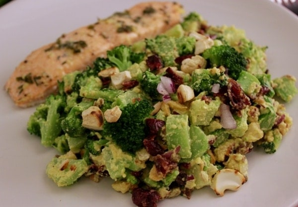 Line kocht Brokkoli-Cranberry-Salat mit Cashew-Curry-Dressing | Line kocht | Was is hier eigentlich los?