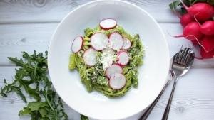 Line kocht Pasta mit Rucola-Spinat-Pesto, grünem Spargel und Radieschen | Line kocht | Was is hier eigentlich los? | wihel.de