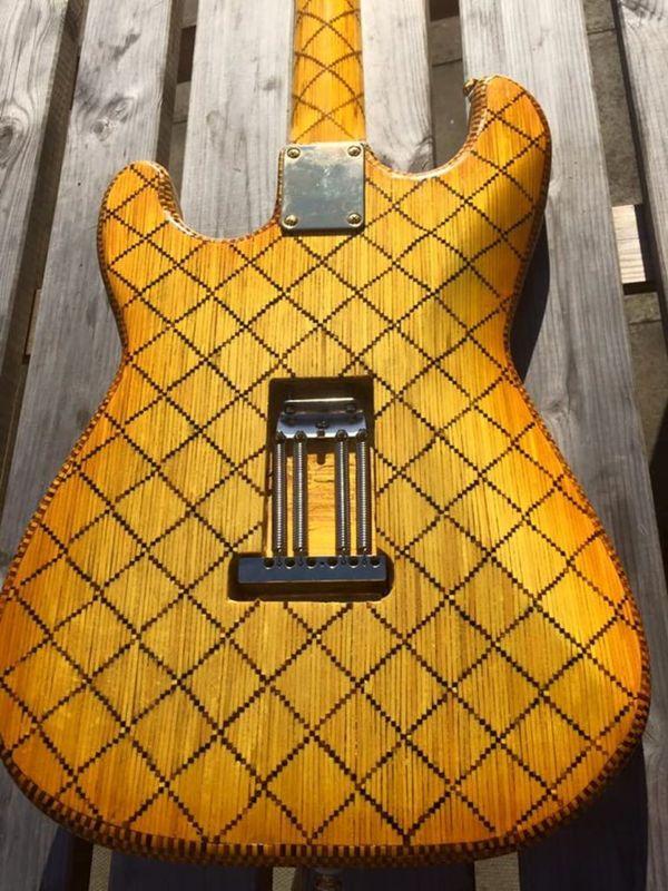 Eine E-Gitarre (fast) komplett aus Streichhölzern gebaut | Gadgets | Was is hier eigentlich los?
