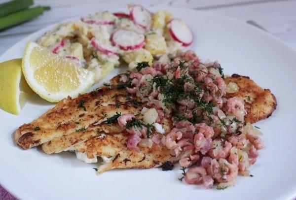 Line kocht Scholle Finkenwerder Art mit Radieschen-Kartoffelsalat - Rezepte aus dem Norden | Line kocht | Was is hier eigentlich los?