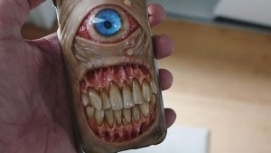 Smartphone-Hüllen aus der Hölle - von Morgan Loebel | WTF | Was is hier eigentlich los? | wihel.de