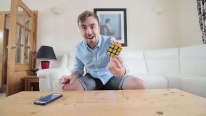 Rubik's Cube lösen lernen in zwei Minuten | Awesome | Was is hier eigentlich los? | wihel.de