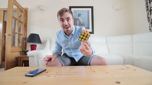 Rubik's Cube lösen lernen in zwei Minuten | Awesome | Was is hier eigentlich los?