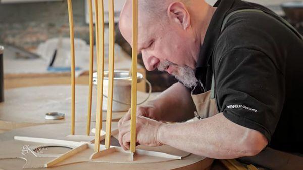 Leidenschaft Handwerk: Michael Greenfield beim Gitarrenbau zugeschaut | Handwerk | Was is hier eigentlich los?