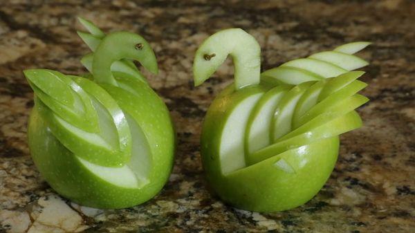 Wie man einen Apfel-Schwan schnibbelt | Essen und Trinken | Was is hier eigentlich los?