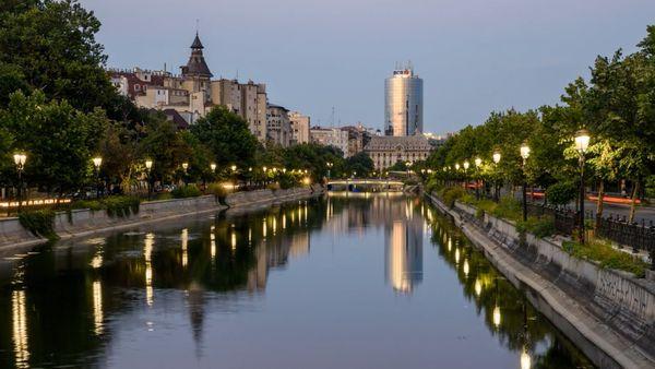 Timelapse: Bucharest Rising | Travel | Was is hier eigentlich los?