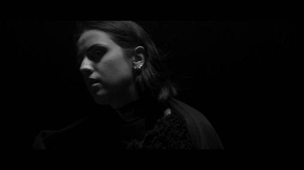 Adna - Overthinking | Musik | Was is hier eigentlich los?