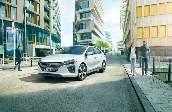 Generation IONIQ - Hyundai bringt Fahrspaß UND Nachhaltigkeit auf die Straße | sponsored Posts | Was is hier eigentlich los?