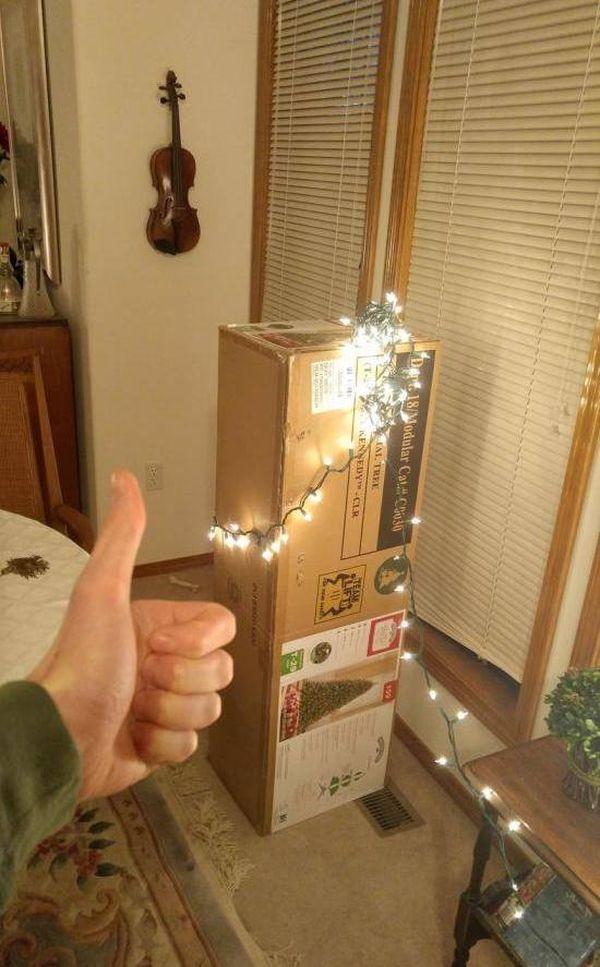 Der Weihnachtsbaum steht schon mal | Lustiges | Was is hier eigentlich los?