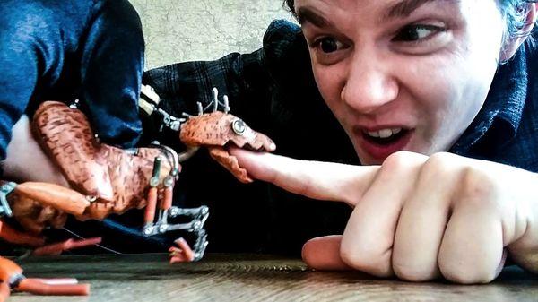 Die Raptor-Finger-Puppe von Barnaby Dixon | Gadgets | Was is hier eigentlich los? | wihel.de
