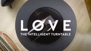 LOVE - Ein aufsetzbarer Plattenspieler | Gadgets | Was is hier eigentlich los? | wihel.de