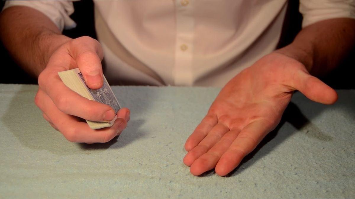 Kartentricks und wie sie funktionieren - präsentiert von Oscar Owen | Awesome | Was is hier eigentlich los?