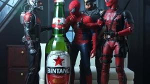 Superheldenfiguren in Szene gesetzt von bmyhero | Design/Kunst | Was is hier eigentlich los? | wihel.de