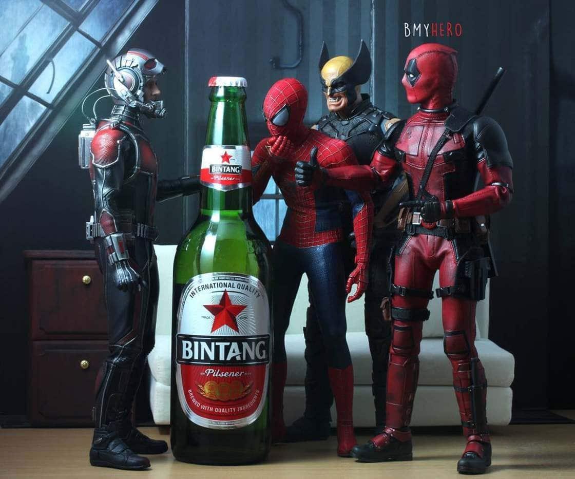 Superheldenfiguren in Szene gesetzt von bmyhero | Design/Kunst | Was is hier eigentlich los?