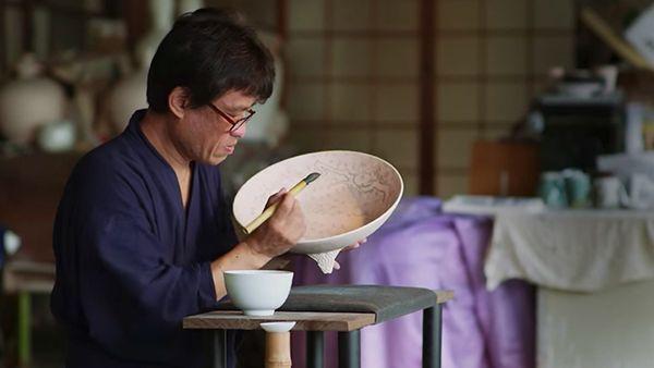 Wie japanische Kirschblütenporzellanteller gemacht werden | Handwerk | Was is hier eigentlich los?