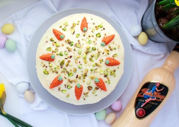 Line backt den weltbesten Möhrenkuchen mit Eierlikör-Frosting | Line backt | Was is hier eigentlich los?