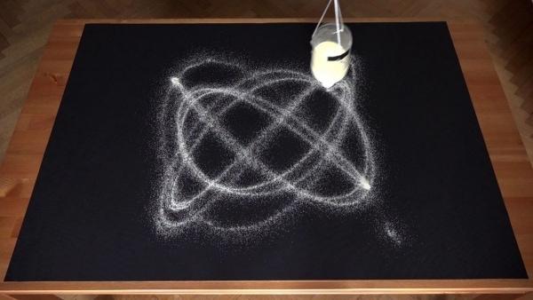 Mark Hacks' mit Sand malendes Pendel | Awesome | Was is hier eigentlich los?