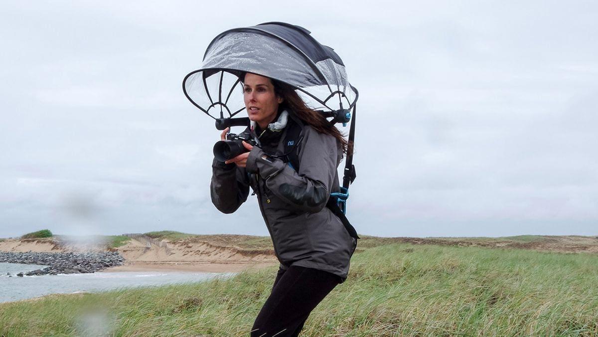 Nubrella - Der freihändige Regenschirm | Gadgets | Was is hier eigentlich los?