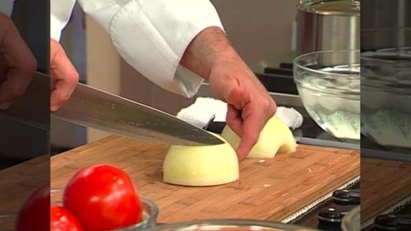 Wie man korrekt eine Zwiebel schneidet | Was gelernt | Was is hier eigentlich los?