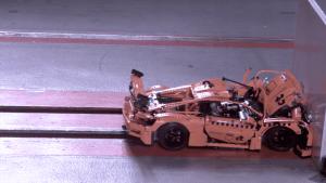 Der LEGO-Porsche im Crash-Test | Gadgets | Was is hier eigentlich los?