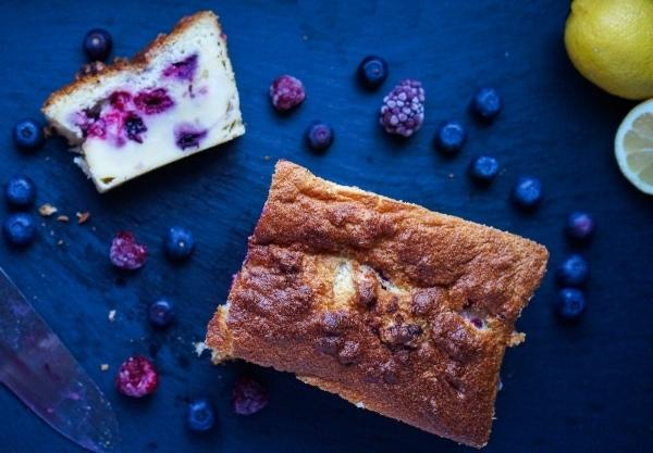 Line backt Magic Cake mit dreierlei Beeren | Line backt | Was is hier eigentlich los? | wihel.de