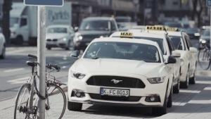 Mit dem Ford Mustang Taxi durch Düsseldorf | sponsored Posts | Was is hier eigentlich los?