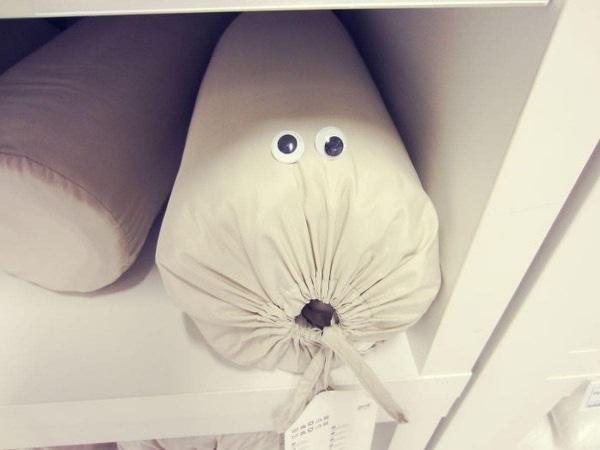 Spaß im IKEA mit Wackelaugen von Jovydas Pinkevicius | Lustiges | Was is hier eigentlich los? | wihel.de