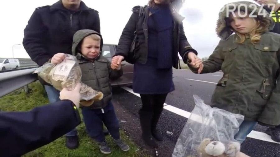 Die Trauma-Teddys der holländischen Polizei | Mädchenkram | Was is hier eigentlich los?