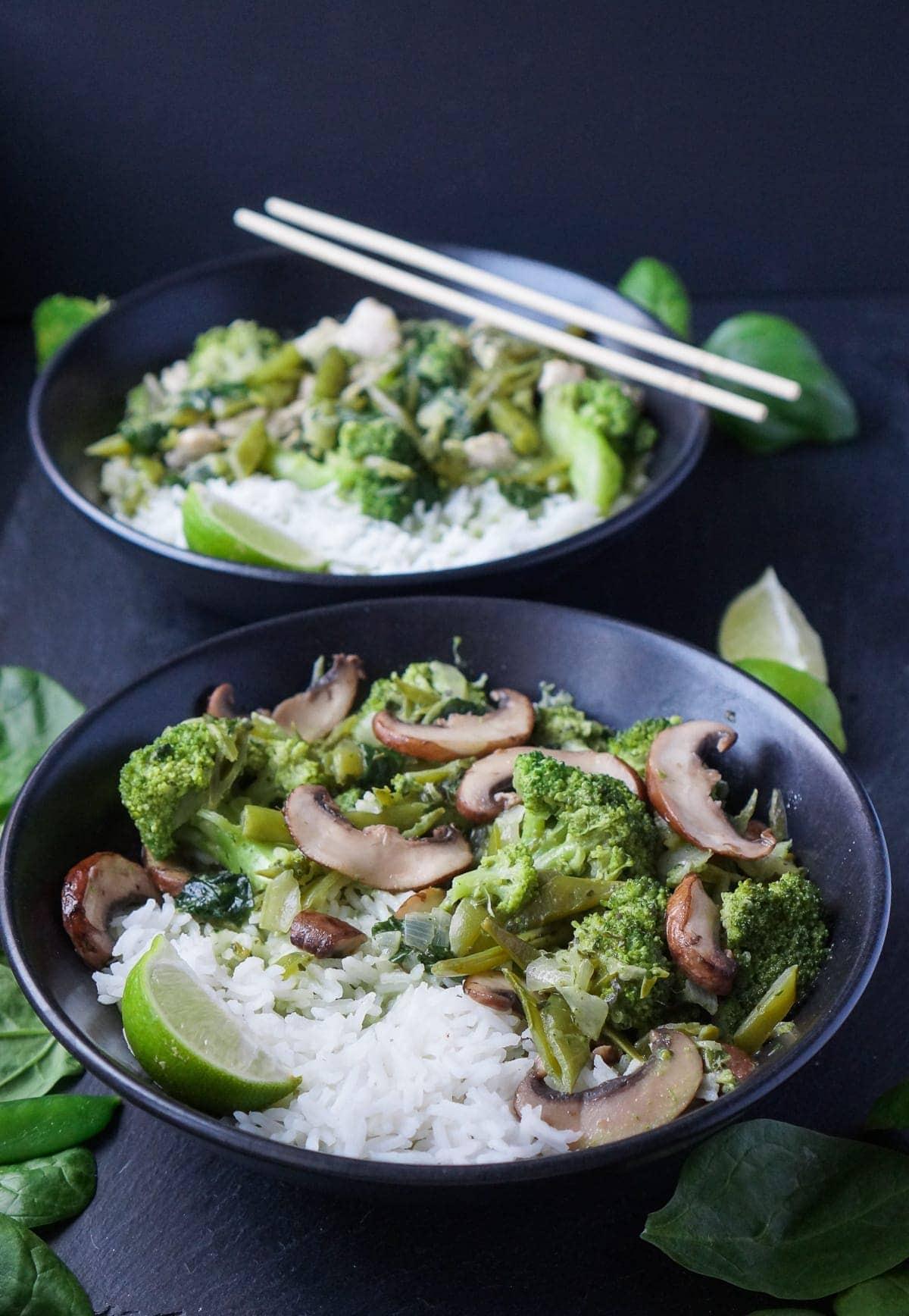 Line kocht Green Thai-Curry mit viel Gemüse und Champignons | Line kocht | Was is hier eigentlich los?