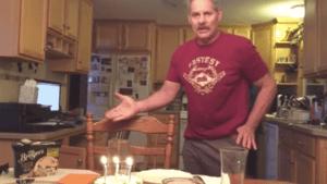 Der bessere Weg, Kerzen auf dem Geburtstagskuchen auszumachen | Was gelernt | Was is hier eigentlich los?