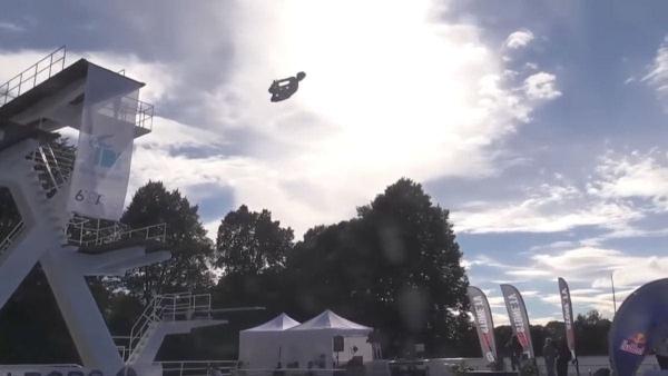 Die Bauchklatscher-WM in Finnland | WTF | Was is hier eigentlich los? | wihel.de
