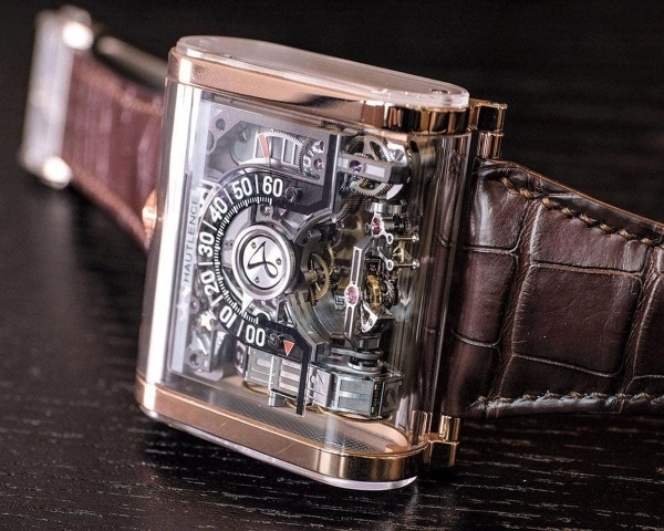 Eine zwei-achsige Tourbillon-Uhr: Die Hautlence Moebius | Gadgets | Was is hier eigentlich los? | wihel.de