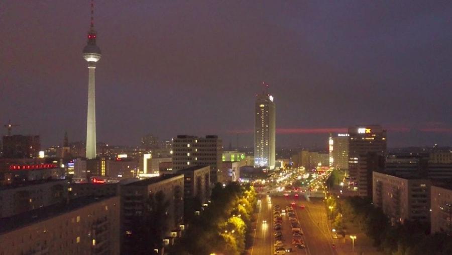 Treptow - Licht der Stadt | Musik | Was is hier eigentlich los?