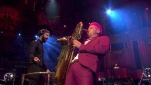 Leo Pellegrino mit dem Baritonsaxophon | Musik | Was is hier eigentlich los?