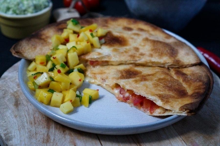 Line macht Quesadillas mit Mango-Salsa und Guacamole | Line kocht | Was is hier eigentlich los?