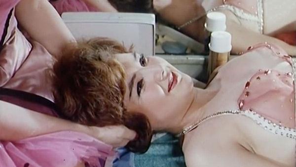 Wie Showgirls in den 60ern Schluckauf bekämpften | Lustiges | Was is hier eigentlich los? | wihel.de
