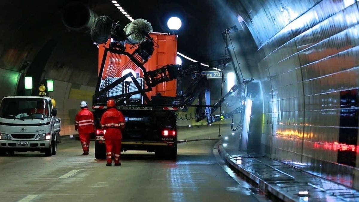 Eine Autobahntunnelputzmaschine in Aktion | Gadgets | Was is hier eigentlich los?