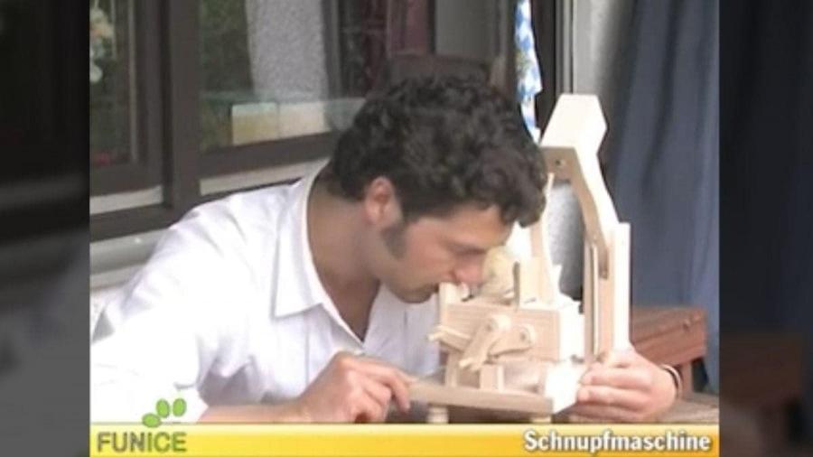 Eine Schnupftabak-Maschine aus Bayern | Gadgets | Was is hier eigentlich los?