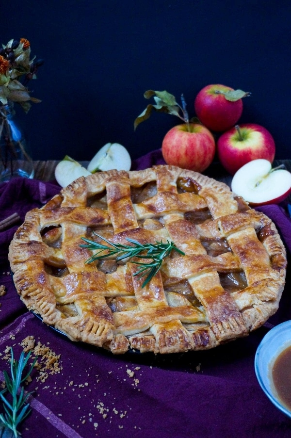 Line backt Apple Pie mit Salted Rosemary Caramel | Line backt | Was is hier eigentlich los?