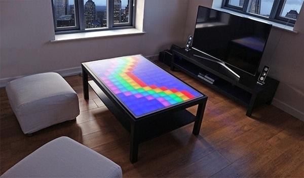 ein couchtisch mit led was is hier eigentlich los. Black Bedroom Furniture Sets. Home Design Ideas