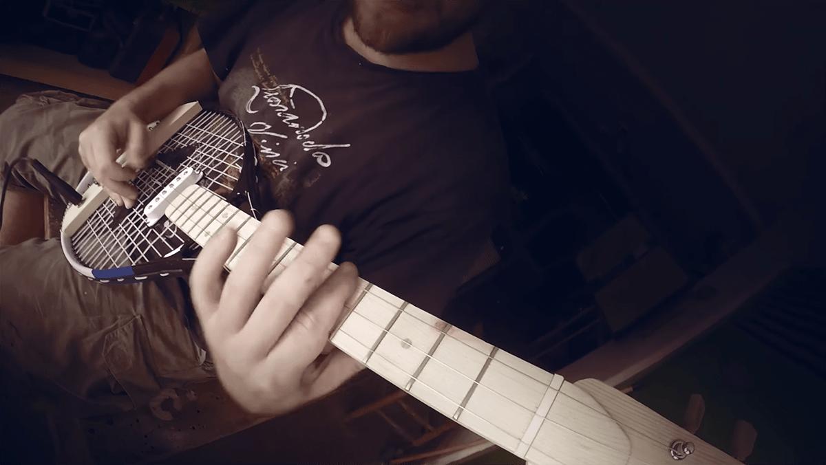 Ein Tennis-Schläger als E-Gitarre | Gadgets | Was is hier eigentlich los?