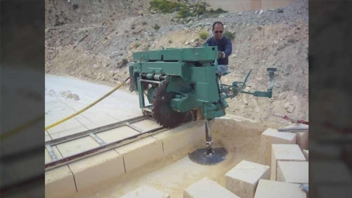 Eine Steinschneidemaschine in Aktion | Gadgets | Was is hier eigentlich los?