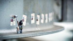 Was LEGO-Figuren treiben, wenn wir nicht hinschauen - Eine Fotoserie von Samsofy | Design/Kunst | Was is hier eigentlich los? | wihel.de