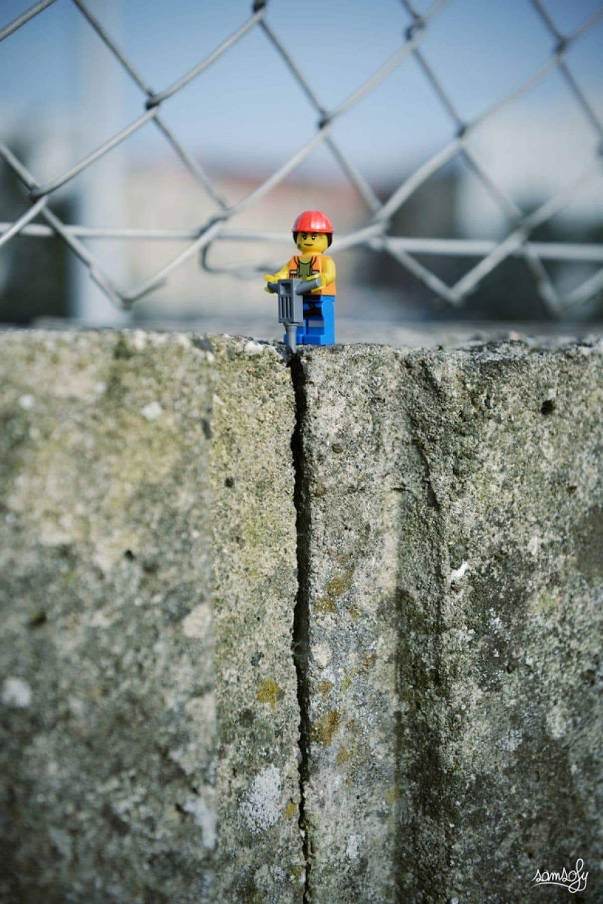 Was LEGO-Figuren treiben, wenn wir nicht hinschauen - Eine Fotoserie von Samsofy | Design/Kunst | Was is hier eigentlich los?