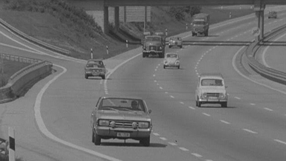 Autofahren 1972: Fahrregeln auf der Autobahn | Zeitgeschichte | Was is hier eigentlich los?