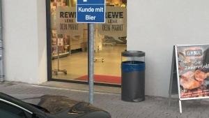 Endlich ein Parkplatz für wirklich bedürftige Menschen | Lustiges | Was is hier eigentlich los? | wihel.de