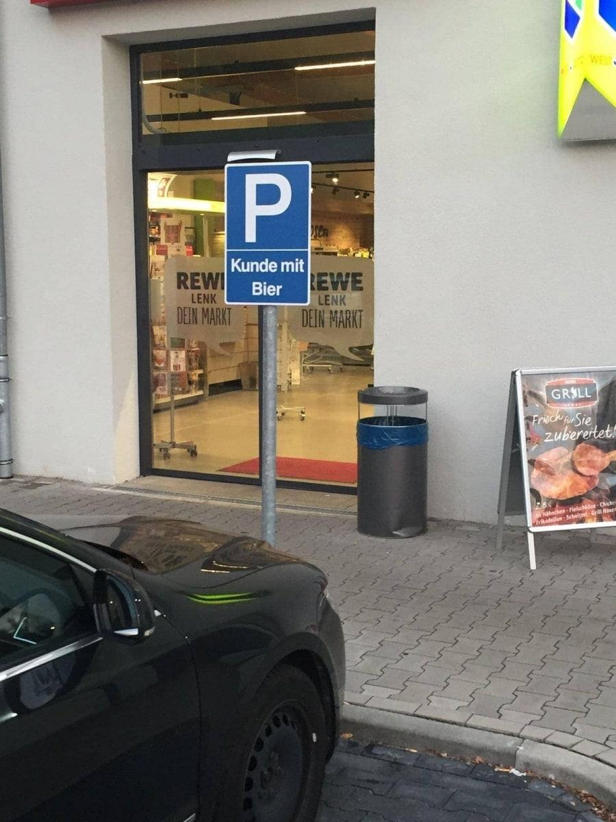 Endlich ein Parkplatz für wirklich bedürftige Menschen | Lustiges | Was is hier eigentlich los?